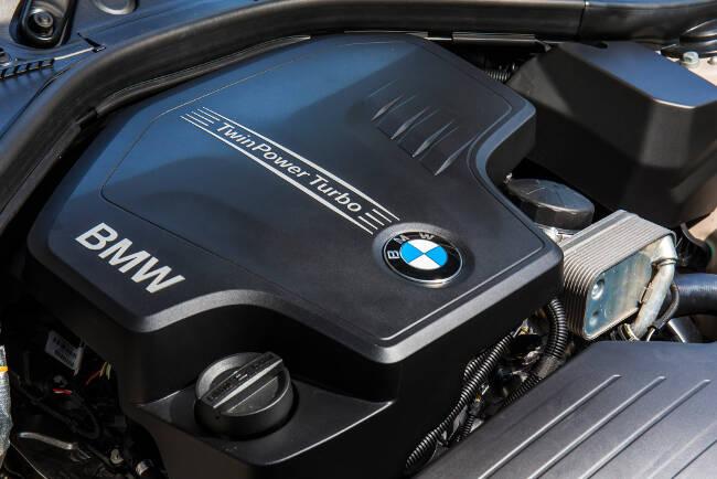 BMW 220i F23 - 2