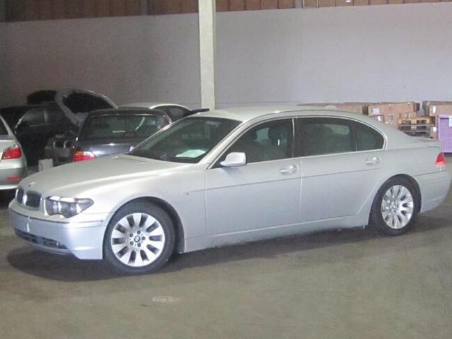 BMW 745Li E67 - 8