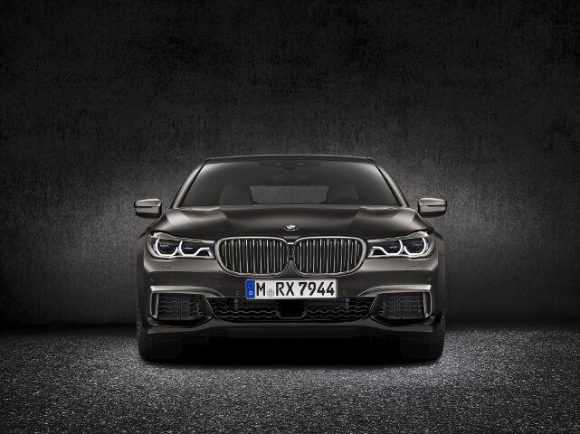 BMW M760Li xDrive G12 - 2