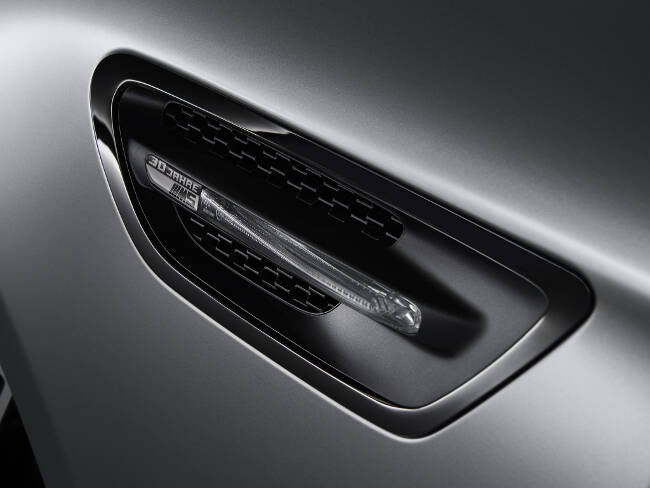 BMW M5 30 Jahre F10 - 3