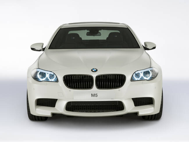 BMW M5 Performance Edition F10 - 1