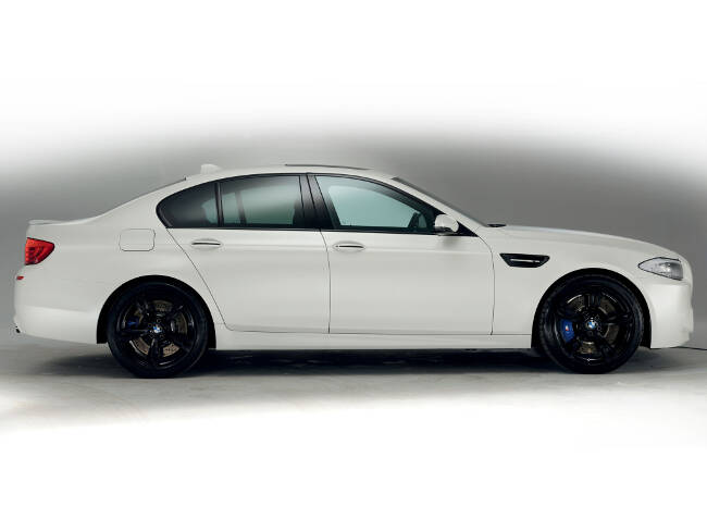 BMW M5 Performance Edition F10 - 6