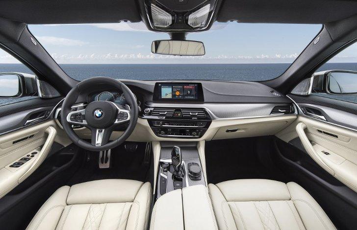 Интерьер-BMW-M550i-xDive-G30-5-Series