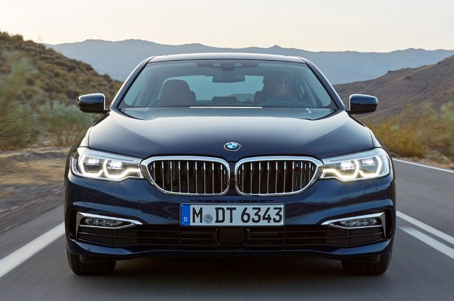 Фото-BMW-530d-xDrive-G30