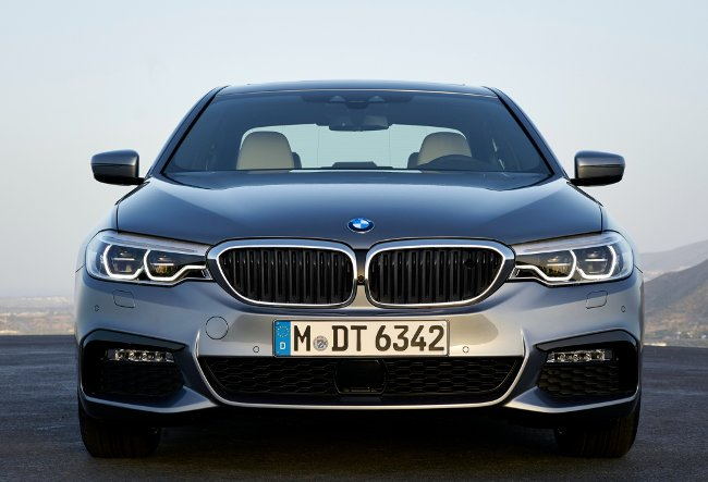 BMW-540i-G30-M-Sport-Package-вид-спереди