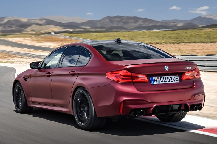 BMW M5 First Edition F90 - фото 2