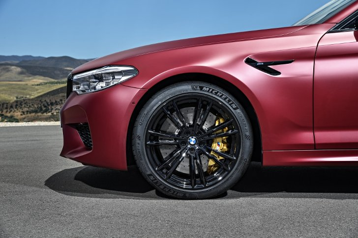 BMW M5 First Edition F90 - фото 7