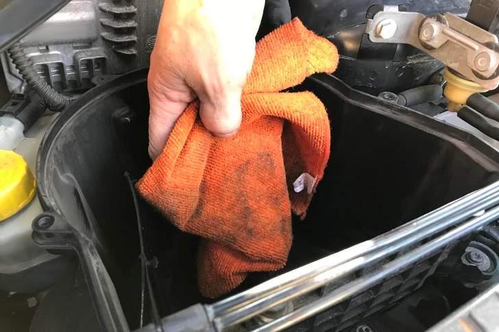 Очистка корпуса воздушного фильтра